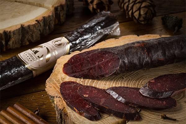 Чем полезна конина: состав мяса, питательные свойства, польза и вред