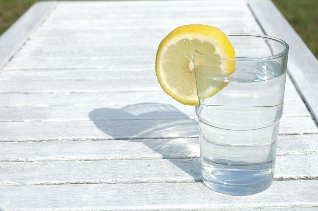Сода натощак по утрам для похудения и очищения организма: правила применения