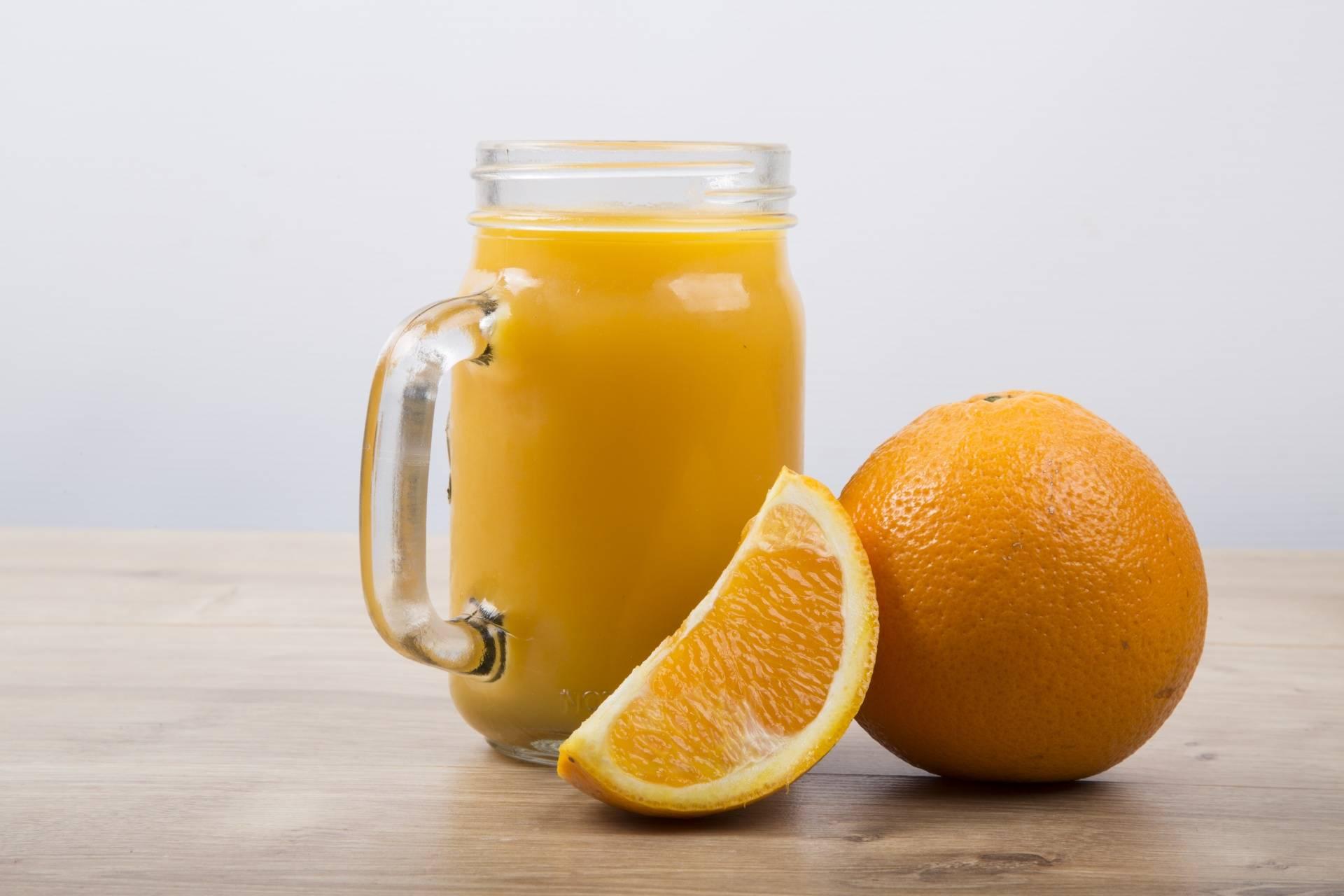 Апельсиновый сок по утрам смело пейте, здоровье и бодрость на весь день заимейте!