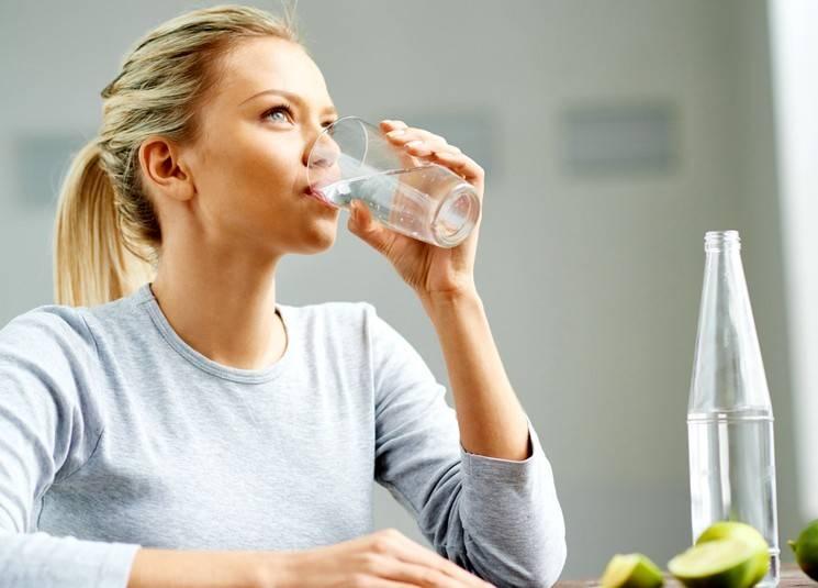 Пить, чтобы лечиться: вся польза минеральной воды