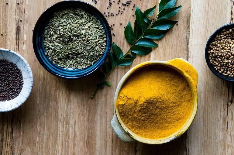 Что такое карри, что входит в состав пряной смеси и как она применяется в кулинарии