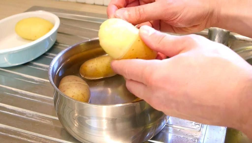 Как почистить картошку (в т. ч. молодую) быстро – 8 методов