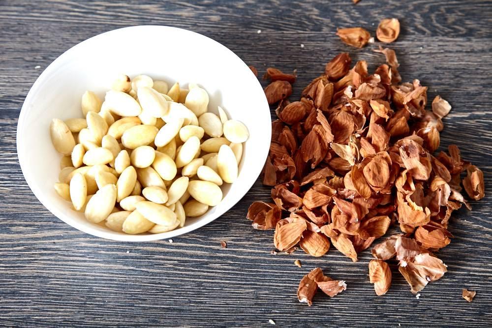 Поминдальничаем с миндалём — как очистить от кожуры и сохранить королевский орех