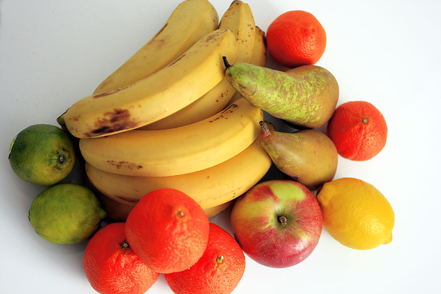 Ценный тропический плод папайя и ее полезные свойства для людей разного возраста