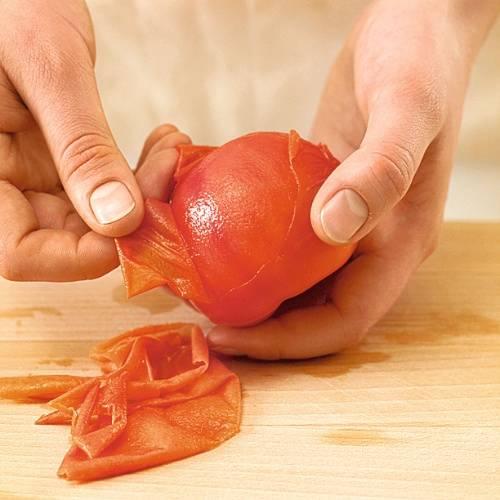 Способы снятия кожи с помидора
