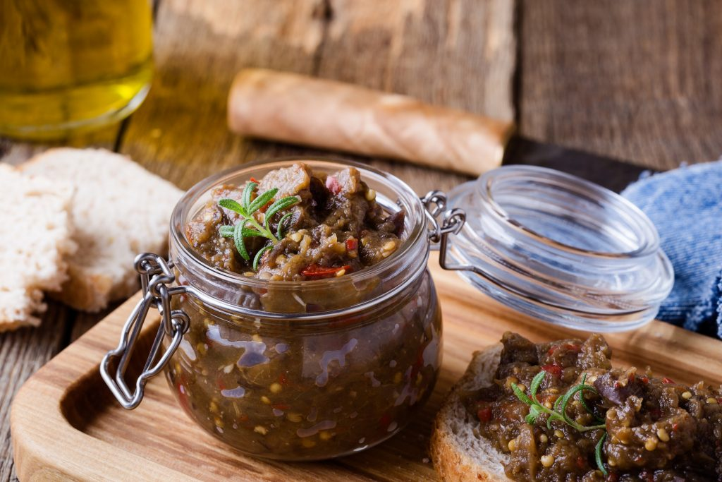 Подборка из 10 популярных рецептов аппетитных заготовок из баклажан