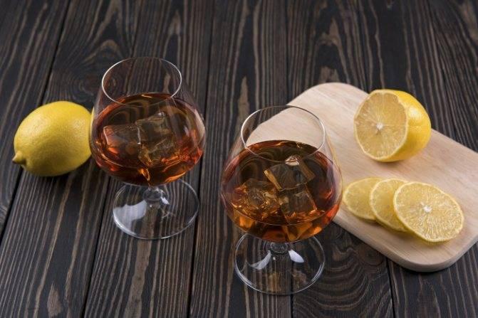 Как правильно пить кальвадос, и с какими закусками сочетается напиток?