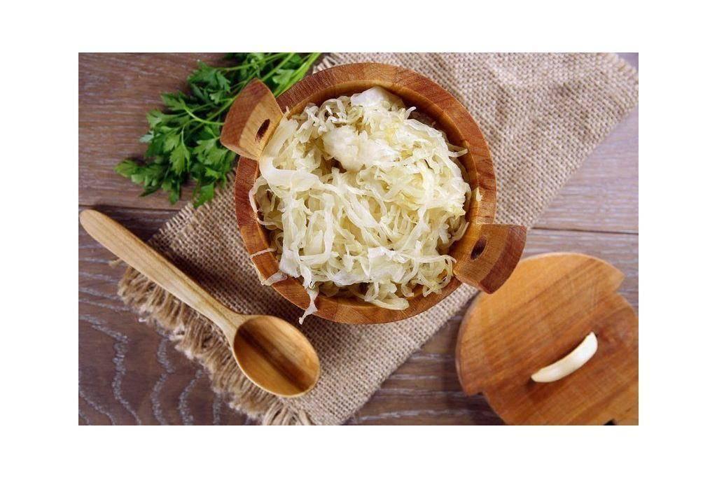 В чем состоит польза и вред квашеной капусты для здоровья организма и каковы ее лечебные свойства?